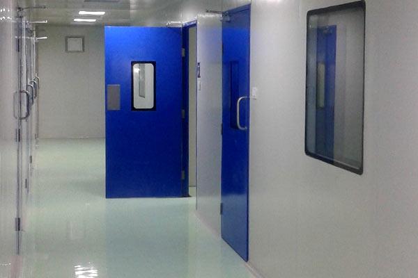 & Clean Rooms Doors